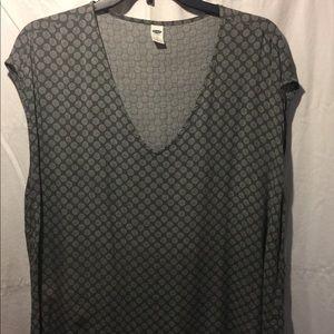 Deep V-neck sleeveless blouse